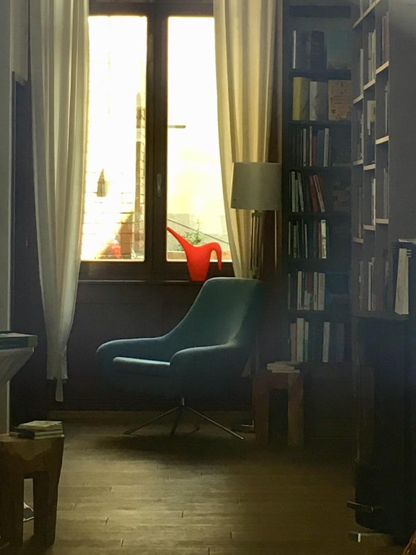 A Sanctuary For Book Lovers: Buch-Café Nero39